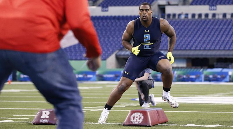Browns take defensive end in 1st National Football League pick