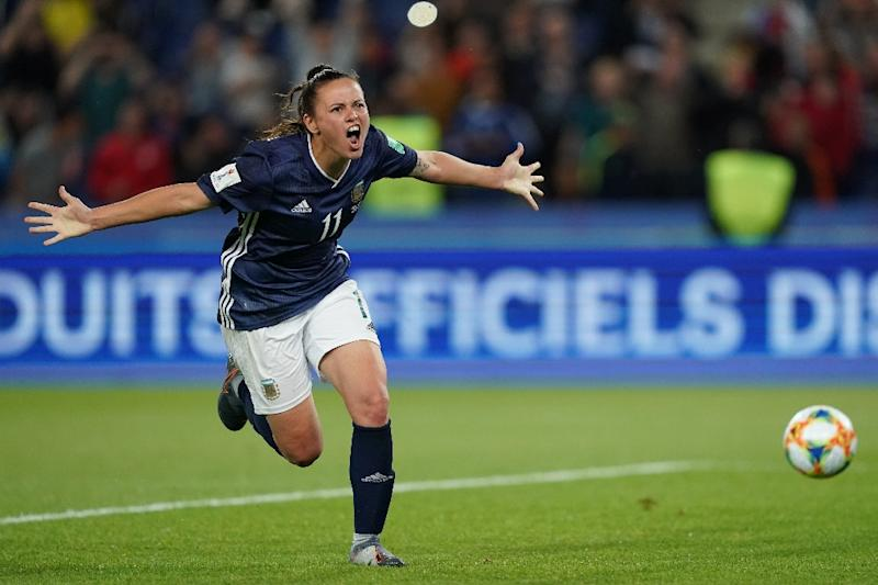 Florencia Bonsegundo's last-gasp penalty for Argentina eliminated Scotland and kept her country's hopes of progressing alive, if only just (AFP Photo/Lionel BONAVENTURE)