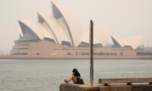 Sydney's air 11 times worse than 'hazardous' levels as Australia's bushfires rage