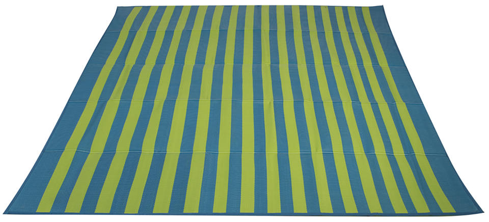 This oversize beach mat can fit several people at once. (Photo: Walmart)