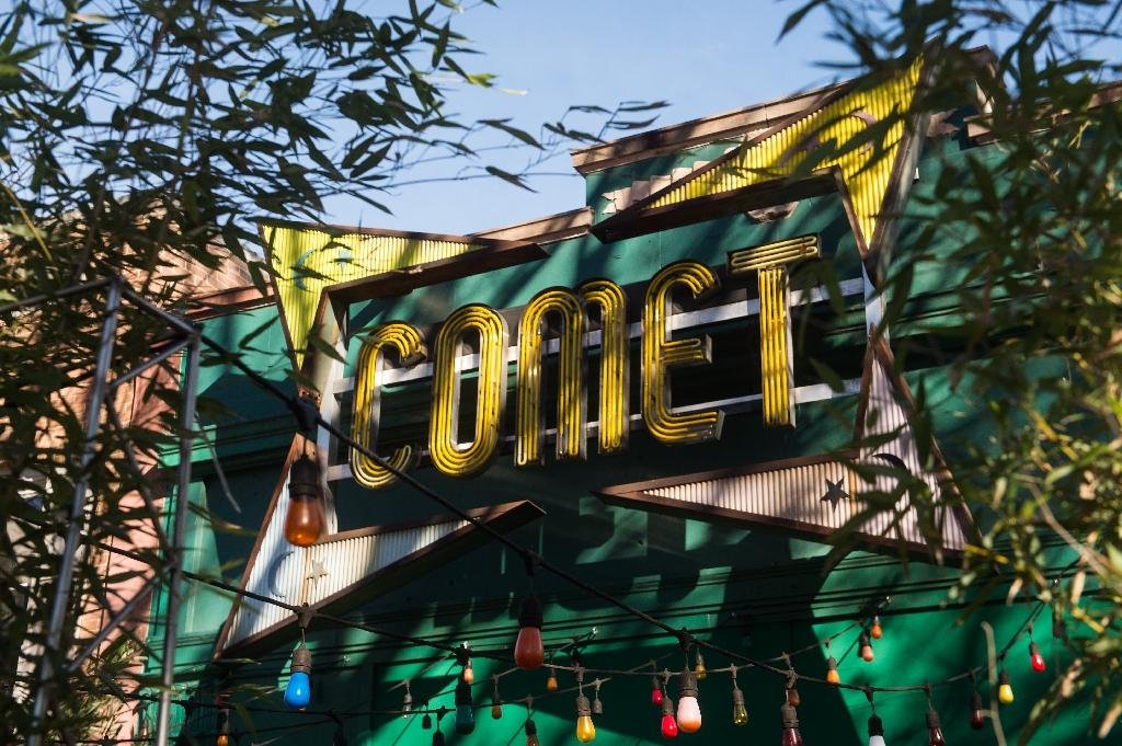 """""""Fake news"""" reports of a child-smuggling ring with connections to Hillary Clinton operating out of Comet Ping Pong, a Washington pizzeria, saw a man storm the eatery last December firing an assault rifle (AFP Photo/NICHOLAS KAMM)"""