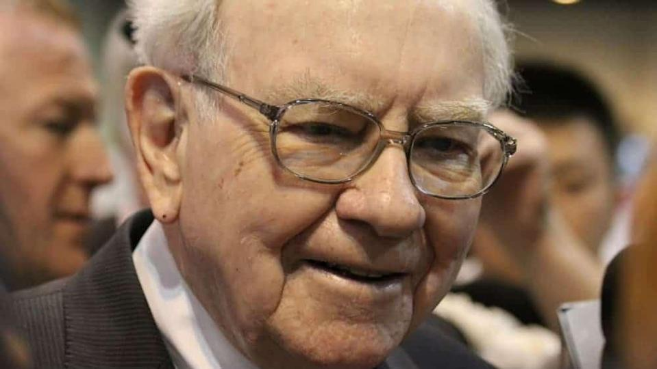 close-up photo of investor Warren Buffett