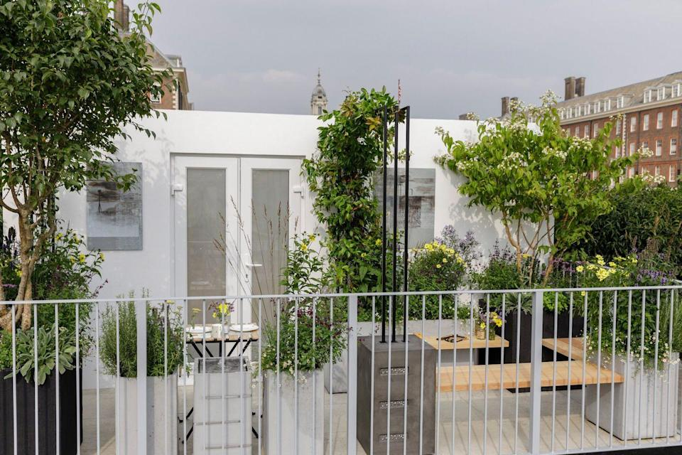 <p><strong>BALCONY GARDEN</strong></p><p>Designed by Nicola Hale and inspired by early modernist architecture, the Landform Balcony Garden seeks to create a place for the homeowner to relax and entertain.</p>