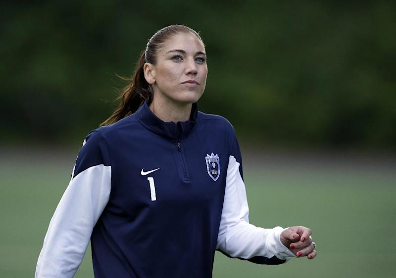 when did hope solo start playing soccer