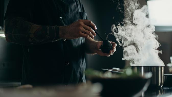 Ilustrasi masak | (Photo by cottonbro on Pexels)