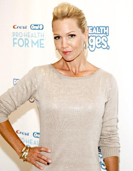 Jennie Garth Writes About Her Frugal Life as a Single Mom in Debut Column for Coupon Website