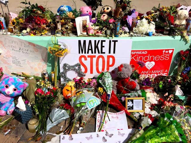 <p>A makeshift memorial for Marjory Stoneman Douglas High School shooting victims in Pine Trail Park in Parkland, Fla., Feb.19, 2018 (Photo: Mindy Katzman/Yahoo News) </p>