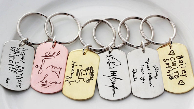 Best personalized gifts: TomDesign Custom Keychain