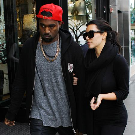 Kanye West 'books relaxing trip for Kim'