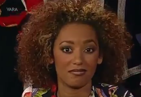 An unimpressed Mel B appeared to call for the interview to be cut