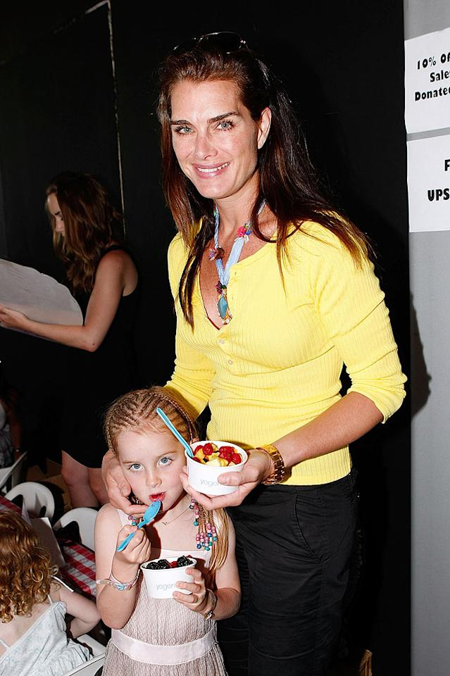 """Brooke Shields and her daughter, Rowan, enjoyed a tasty treat courtesy of Yogen Fruz, who were sponsors of the charity event. Michael Buckner/<a href=""""http://www.wireimage.com"""" target=""""new"""">WireImage.com</a> - June 28, 2009"""