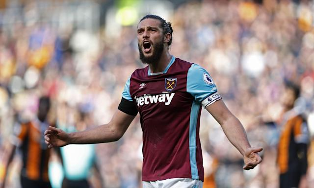 <p>West Ham United's Andy Carroll gestures towards an assistant referee </p>