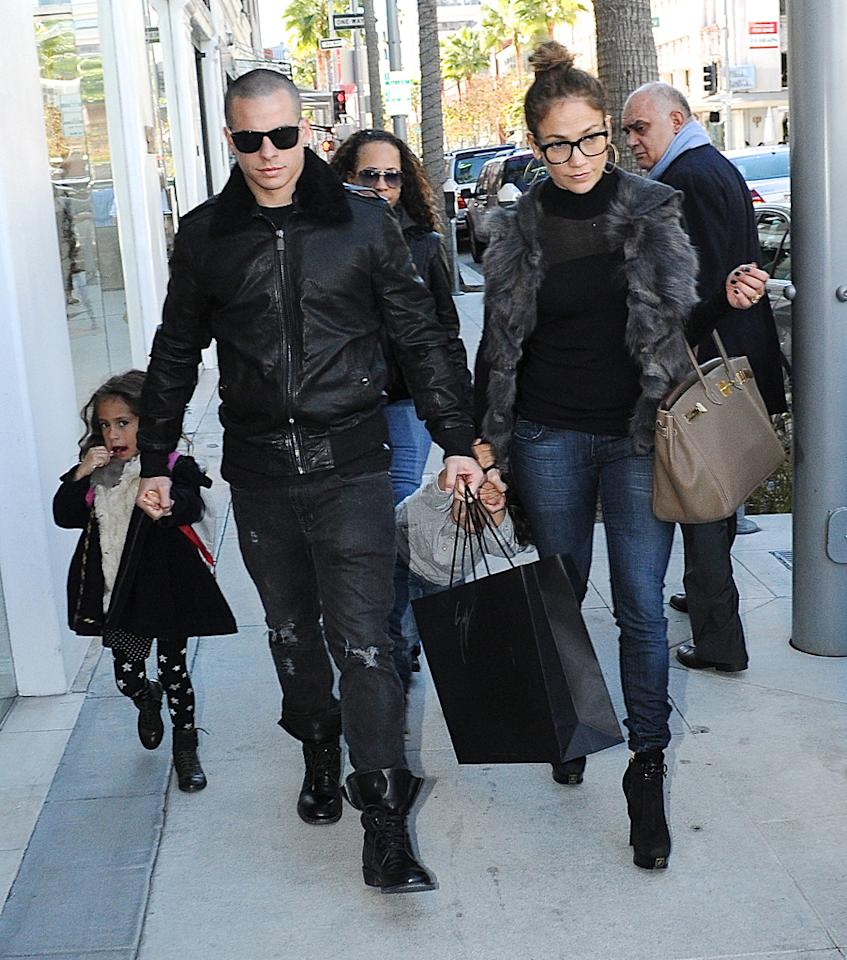 Jennifer Lopez, Casper Smart and her kids Emme Maribel Muniz Anthony and Maximilian David Muniz Anthony spotted in Beverly Hills, the superstar singer and her dancer boyfriend are seen doing some retail therapy. 