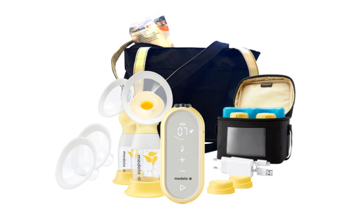 Medela Freestyle Flex Double Electric Breast Pump with Cooler & Carry Bag (Photo via Best Buy Canada)