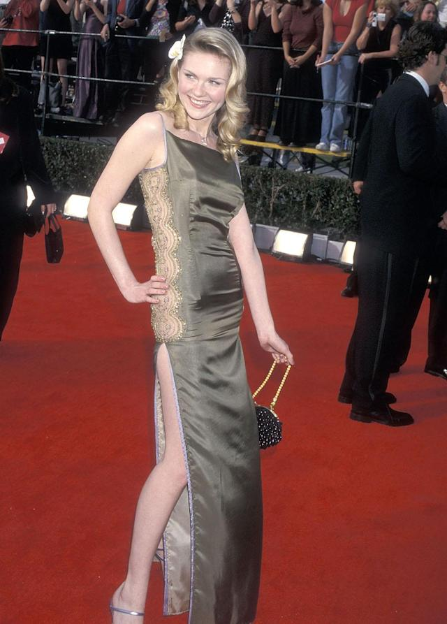 One of Dunst's self-professed style errors from her early days: at the red carpet arrivals for the 2000 Screen Actors Guild Awards. (Photo: Ron Galella, Ltd./WireImage)