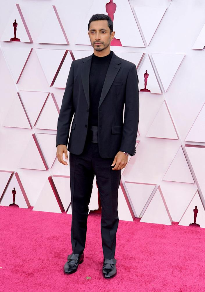 Riz Ahmed Oscars red carpet 2021 (CHRIS PIZZELLO / AFP - Getty Images)