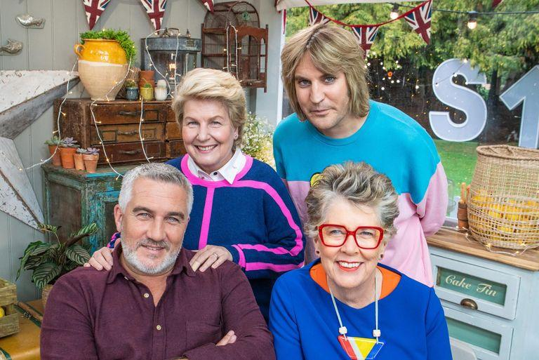 Sandi Toksvig and Noel Fielding has transformed themselves into judges Paul Hollywood and Prue Leith ahead of the new season (Channel 4)