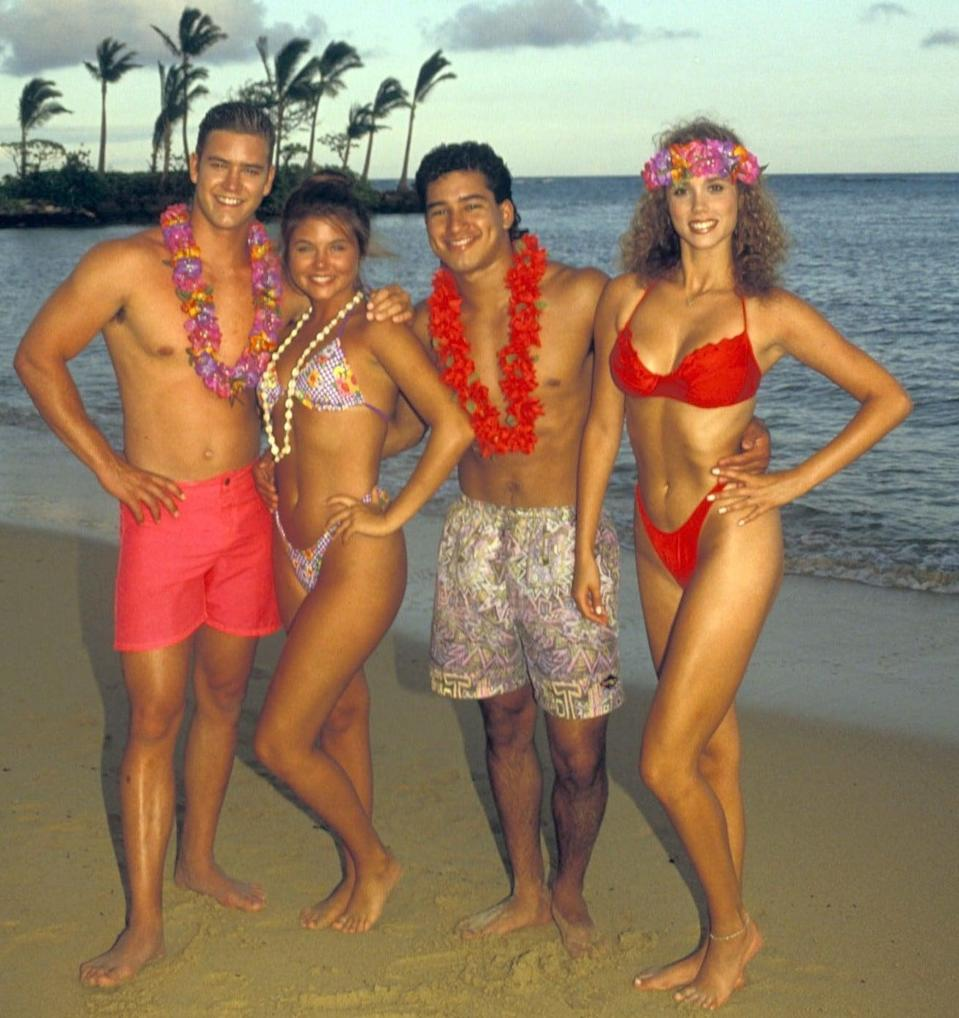 <p>Aloha, '90s. These looks are making us super nostalgic right now.</p>