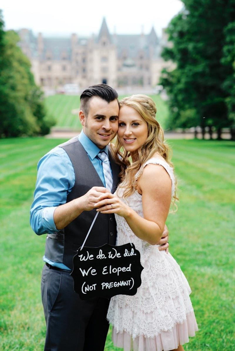 The couple also took portraits at the Biltmore Estate in Asheville, North Carolina. (Blue Bend Photography)