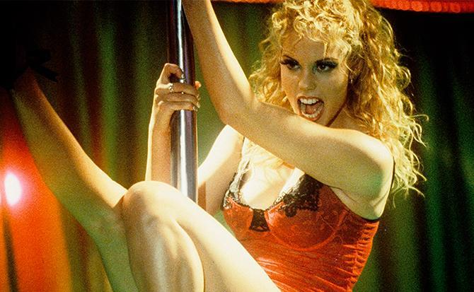Elizabeth Berkley, estrella de 'Showgirls' (United Artists – © 1995 Twentieth Century Fox)