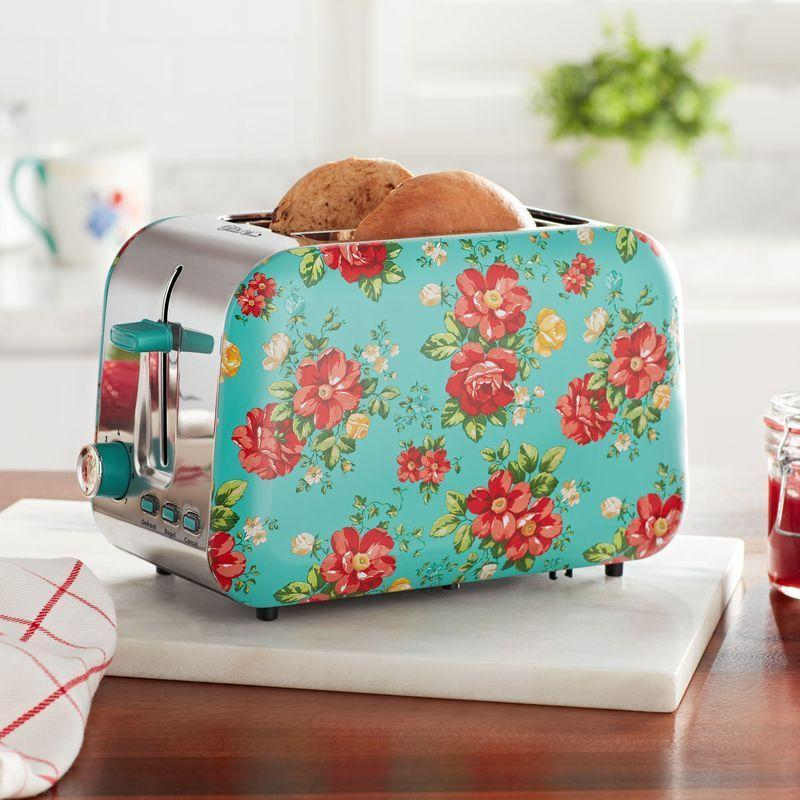 """<p>The good thing about shopping for kitchen gifts is that there's so much to choose from. Cookbooks, cute measuring cups, scales, floral toaster ovens, ice cream makers, adorable cookie cutters, chic aprons...the list goes on and on. </p><p>But that's also the <em>hard</em> thing about shopping for creative kitchen gifts. There'<em>s </em>so much to choose from, so how on earth are you supposed to know where to look first?</p><p>Luckily, you're in the right place. Here, you'll find the absolute best kitchen gifts on the market for just about every budget, style, age, and relationship (including plenty of budget-friendly <a href=""""https://www.thepioneerwoman.com/holidays-celebrations/gifts/g33484151/best-gifts-under-100"""" rel=""""nofollow noopener"""" target=""""_blank"""" data-ylk=""""slk:gifts under $100"""" class=""""link rapid-noclick-resp"""">gifts under $100</a>). Oh, and they also work perfectly if you're shopping for a <a href=""""https://thepioneerwoman.com/home-lifestyle/entertaining/g32293314/hostess-gifts-ideas/"""" rel=""""nofollow noopener"""" target=""""_blank"""" data-ylk=""""slk:hostess gift"""" class=""""link rapid-noclick-resp"""">hostess gift</a> or <a href=""""https://thepioneerwoman.com/holidays-celebrations/gifts/g32145007/housewarming-gift-ideas/"""" rel=""""nofollow noopener"""" target=""""_blank"""" data-ylk=""""slk:housewarming gift"""" class=""""link rapid-noclick-resp"""">housewarming gift</a>. For the sentimental chef, check out the personalized aprons or cutting boards. For <a href=""""https://www.thepioneerwoman.com/holidays-celebrations/gifts/g32406292/gifts-for-bakers/"""" rel=""""nofollow noopener"""" target=""""_blank"""" data-ylk=""""slk:gifts for bakers"""" class=""""link rapid-noclick-resp"""">gifts for bakers</a>, a shiny new kitchen scale might just be the way to go.</p><p>Of course, when it comes to any gift, it's all in how you give—not what you give. The only thing that makes a cute cake stand better, for instance, is placing a delicious cake on it for the recipient to enjoy. Happy shopping! </p>"""