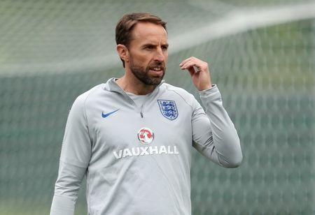 Soccer Football - World Cup - England Training - Saint Petersburg, Russia - June 19, 2018 England manager Gareth Southgate during training REUTERS/Lee Smith