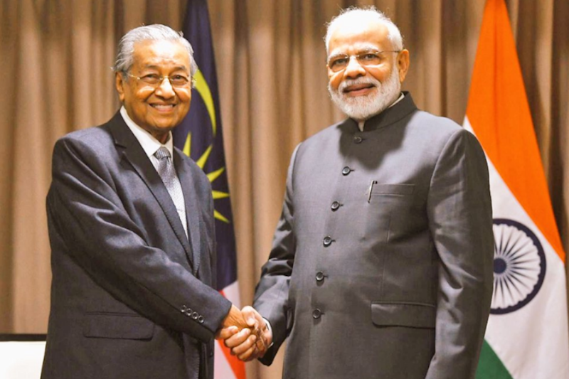 In Meet With Malaysian Counterpart in Russia, PM Modi Raises Issue of Zakir Naik's Extradition