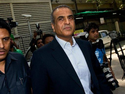 Head of Bharti Airtel Limited, Sunil Bharti Mittal, leaves the Patiala House court in New Delhi on April 16, 2013