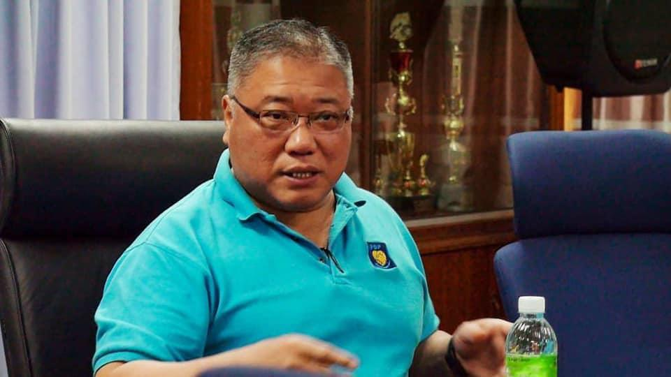 Bintulu MP Datuk Seri Tiong King Sing today urged the Bintulu Development Authority to take immediate action against operators of rented rooms for refusing to comply with the SOPs to curb Covid-19. — Picture via Facebook
