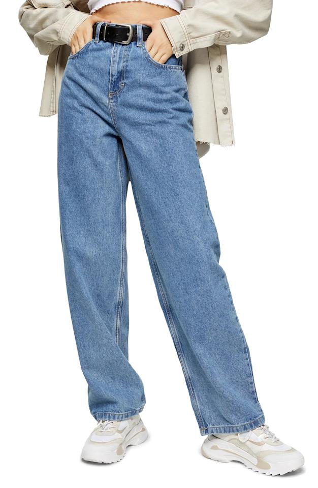 """<p><product href=""""https://www.nordstrom.com/s/topshop-straight-leg-baggy-jeans/5707028?country=US&amp;currency=USD&amp;mrkgadid=3313959142&amp;mrkgcl=760&amp;mrkgen=gpla&amp;mrkgbflag=0&amp;mrkgcat=&amp;utm_content=9383302673&amp;utm_term=pla-319830547172&amp;utm_channel=low_nd_shopping_standard&amp;sp_source=google&amp;sp_campaign=645528200&amp;adpos=&amp;creative=57184969553&amp;device=c&amp;matchtype=&amp;network=g&amp;acctid=21700000001689570&amp;dskeywordid=92700049882370075&amp;lid=92700049882370075&amp;ds_s_kwgid=58700005468290784&amp;ds_s_inventory_feed_id=97700000007631122&amp;dsproductgroupid=319830547172&amp;product_id=31080993&amp;merchid=1243147&amp;prodctry=US&amp;prodlang=en&amp;channel=online&amp;storeid=&amp;locationid=9003495&amp;targetid=pla-319830547172&amp;campaignid=645528200&amp;adgroupid=9383302673&amp;gclid=EAIaIQobChMI79LMrs796wIVDY_ICh3vigVMEAQYESABEgJ2IPD_BwE&amp;gclsrc=aw.ds"""" target=""""_blank"""" class=""""ga-track"""" data-ga-category=""""internal click"""" data-ga-label=""""https://www.nordstrom.com/s/topshop-straight-leg-baggy-jeans/5707028?country=US&amp;currency=USD&amp;mrkgadid=3313959142&amp;mrkgcl=760&amp;mrkgen=gpla&amp;mrkgbflag=0&amp;mrkgcat=&amp;utm_content=9383302673&amp;utm_term=pla-319830547172&amp;utm_channel=low_nd_shopping_standard&amp;sp_source=google&amp;sp_campaign=645528200&amp;adpos=&amp;creative=57184969553&amp;device=c&amp;matchtype=&amp;network=g&amp;acctid=21700000001689570&amp;dskeywordid=92700049882370075&amp;lid=92700049882370075&amp;ds_s_kwgid=58700005468290784&amp;ds_s_inventory_feed_id=97700000007631122&amp;dsproductgroupid=319830547172&amp;product_id=31080993&amp;merchid=1243147&amp;prodctry=US&amp;prodlang=en&amp;channel=online&amp;storeid=&amp;locationid=9003495&amp;targetid=pla-319830547172&amp;campaignid=645528200&amp;adgroupid=9383302673&amp;gclid=EAIaIQobChMI79LMrs796wIVDY_ICh3vigVMEAQYESABEgJ2IPD_BwE&amp;gclsrc=aw.ds"""" data-ga-action=""""body text link"""">H&amp;M Straight Leg Baggy Jeans</product> ($75)</p>"""
