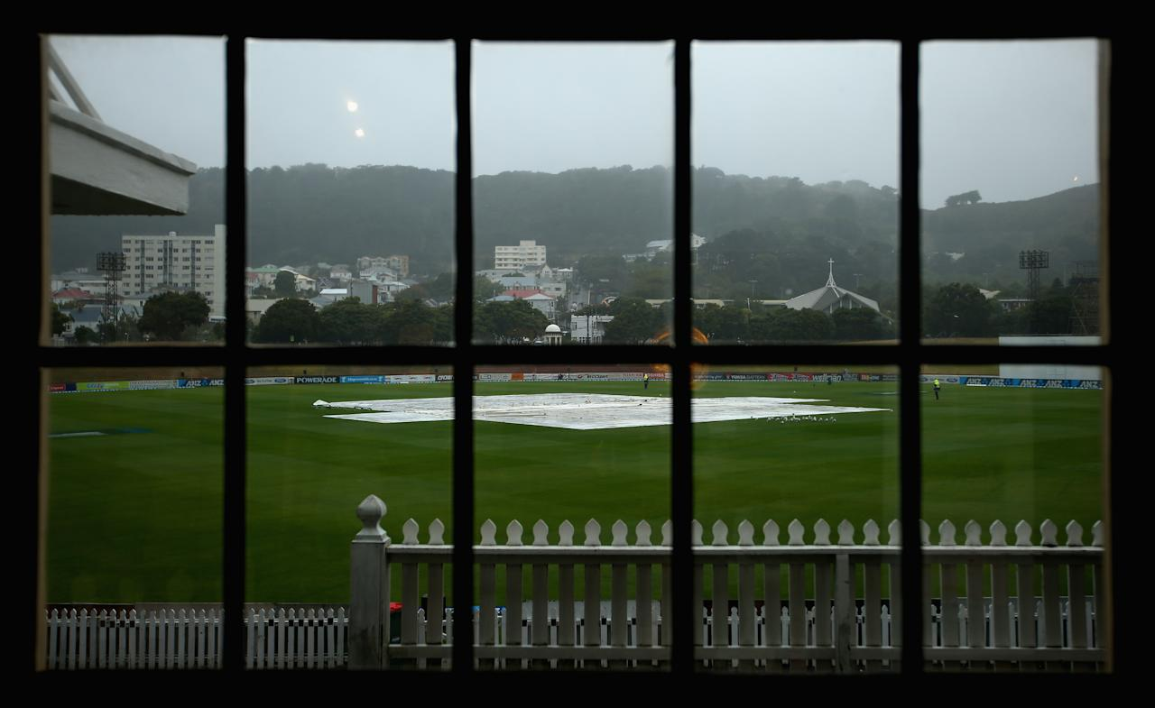 WELLINGTON, NEW ZEALAND - MARCH 18:  Rain delays the start of play on day five of the second test match between New Zealand and England at the Basin Reserve on March 18, 2013 in Wellington, New Zealand.  (Photo by Phil Walter/Getty Images)