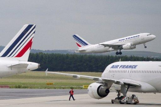 IATA has downgraded its outlook for European airlines in 2012, projecting losses of $1.1 billion
