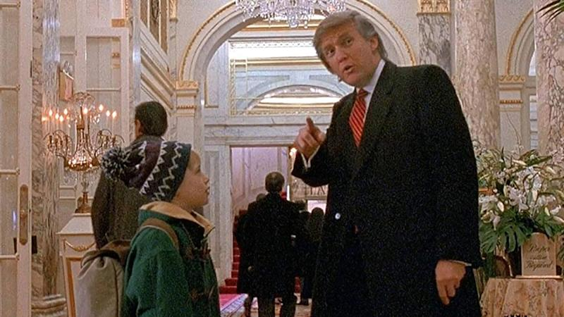Macaulay Culkin met Donald Trump in 'Home Alone 2: Lost in New York'. (Credit: Fox)