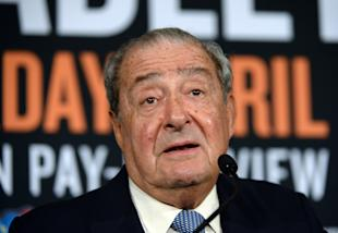 Bob Arum talks with the media during a press conference to announce a fight between Manny Pacquiao and Timothy Bradley. (Getty)