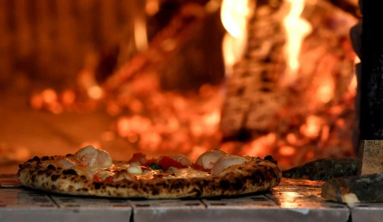 The first pizzerias were born at the end of the 18th century