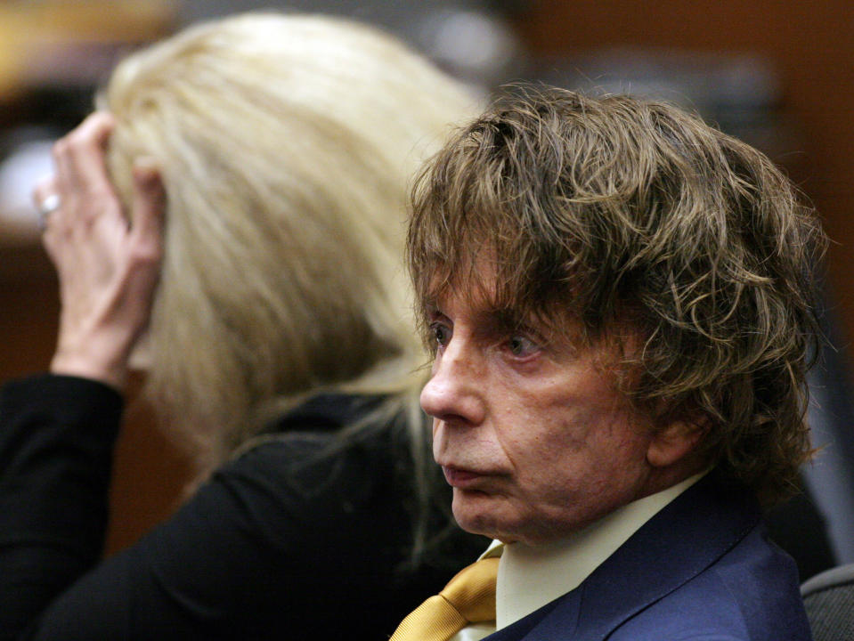 Defendant Phil Spector attends a hearing in his murder trial in Los Angeles Superior Court in Los Angeles California September 19, 2007. Spector is accused in the fatal shooting of actress Lana Clarkson in his home in February 2003. REUTERS/Gabriel Bouys/Pool (UNITED STATES)