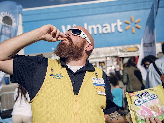 Wal-Mart is reportedly telling its tech vendors to leave Amazon's cloud