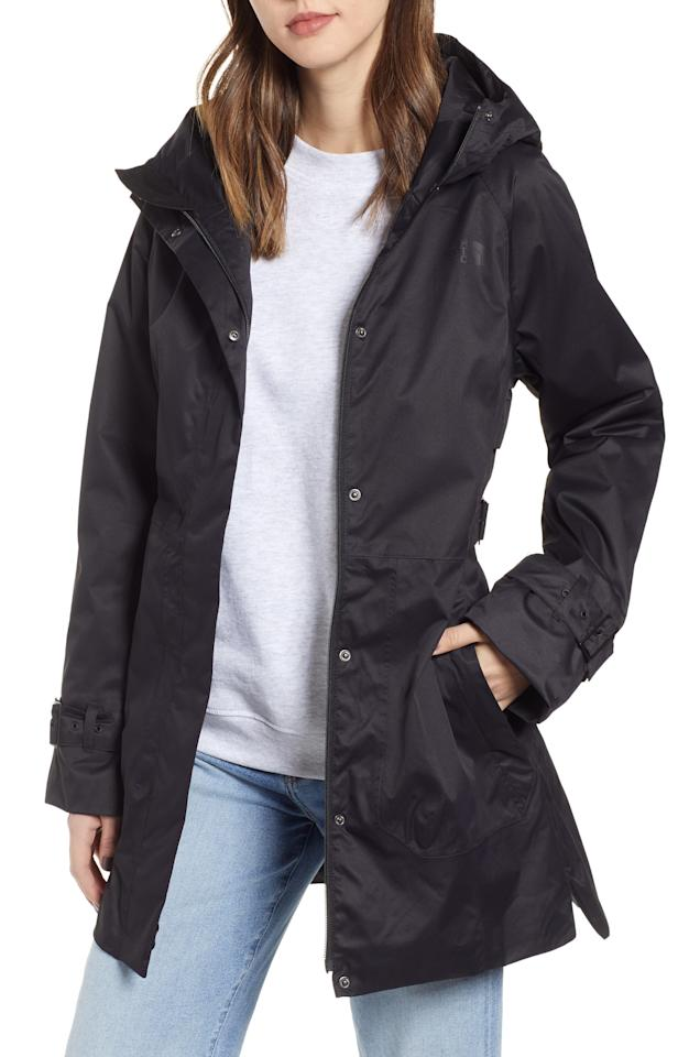 """<p><strong>THE NORTH FACE</strong></p><p>nordstrom.com</p><p><strong>$179.00</strong></p><p><a href=""""https://go.redirectingat.com?id=74968X1596630&url=https%3A%2F%2Fshop.nordstrom.com%2Fs%2Fthe-north-face-city-breeze-trench-raincoat%2F5204914&sref=http%3A%2F%2Fwww.townandcountrymag.com%2Fstyle%2Ffashion-trends%2Fg22549283%2Fstylish-fall-coats%2F"""" target=""""_blank"""">Shop Now</a></p><p>A trench raincoat is a year round essential, but particularly in the fall when the weather can be, shall we say, unpredictable?</p>"""