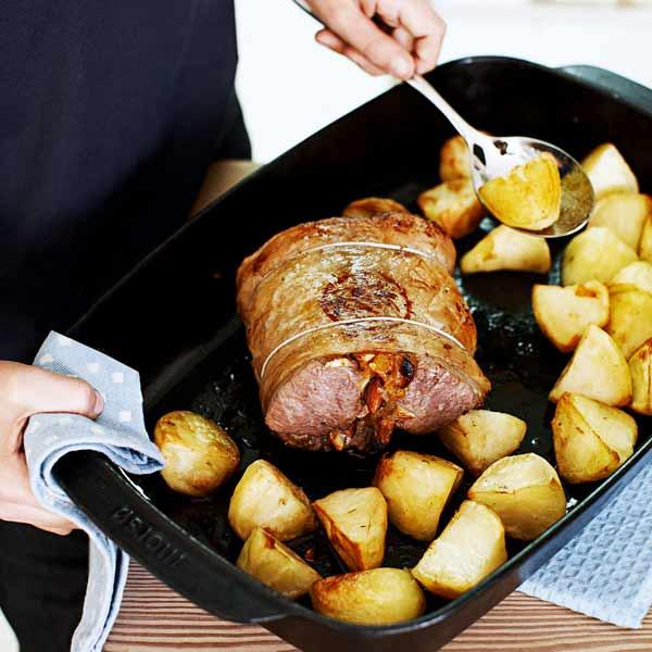 Roast loin of lamb with apricot stuffing