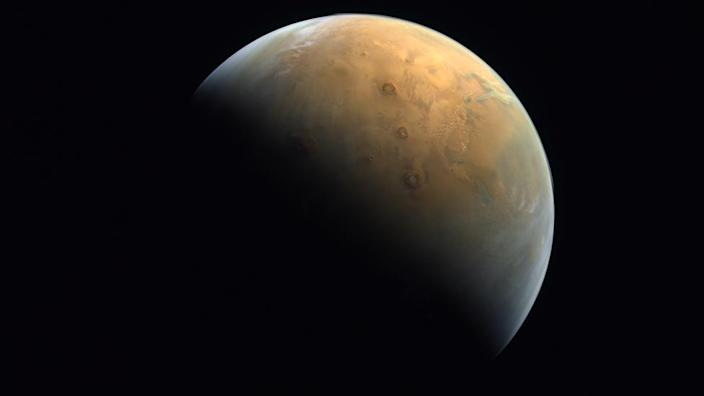 A picture of Mars, captured by Hope's EXI instrument