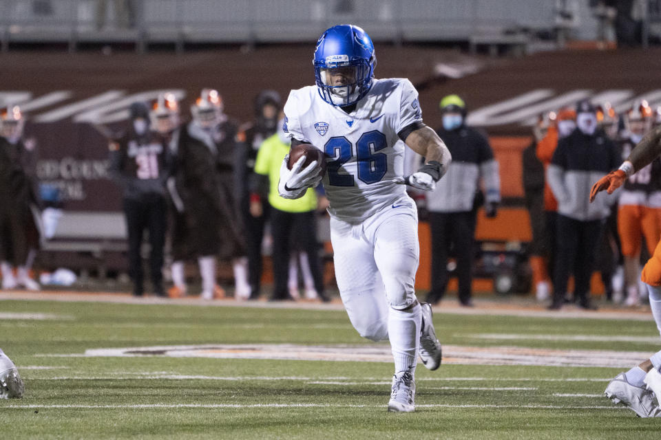 BOWLING GREEN, OH - NOVEMBER 17: Buffalo Bulls Running Back Jaret Patterson (26) runs with the ball during the second half of the College Football game between the Buffalo Bulls and the Bowling Green Falcons on November 17, 2020, at Doyt Perry Stadium in Bowling Green, OH. (Photo by Gregory Fisher/Icon Sportswire via Getty Images)
