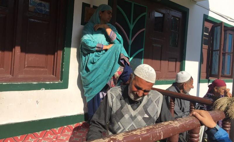 Mohammad Yousuf, relative of Shakeel ahmad, whose apples were burnt by suspected militants at Sindoo Shirmal of South Kashmir. Firstpost/Quratulain Rehbar