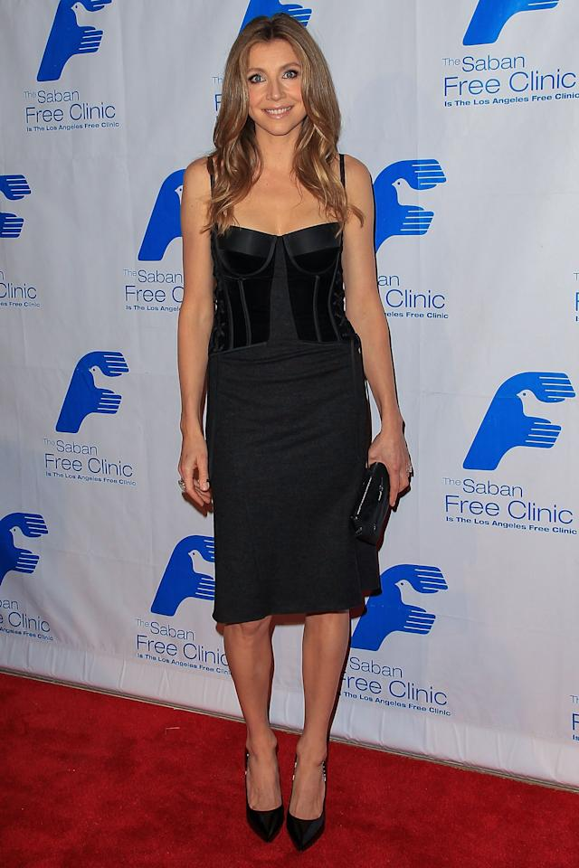 BEVERLY HILLS, CA - NOVEMBER 19:  Actress Sarah Chalke arrives at The Saban Free Clinic's Gala Honoring ABC Entertainment Group President Paul Lee and Bob Broder at The Beverly Hilton Hotel on November 19, 2012 in Beverly Hills, California.  (Photo by Paul A. Hebert/Getty Images)