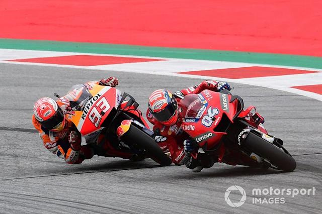 "Andrea Dovizioso, Ducati Team, Marc Márquez, Repsol Honda Team <span class=""copyright"">Gold and Goose / LAT Images</span>"