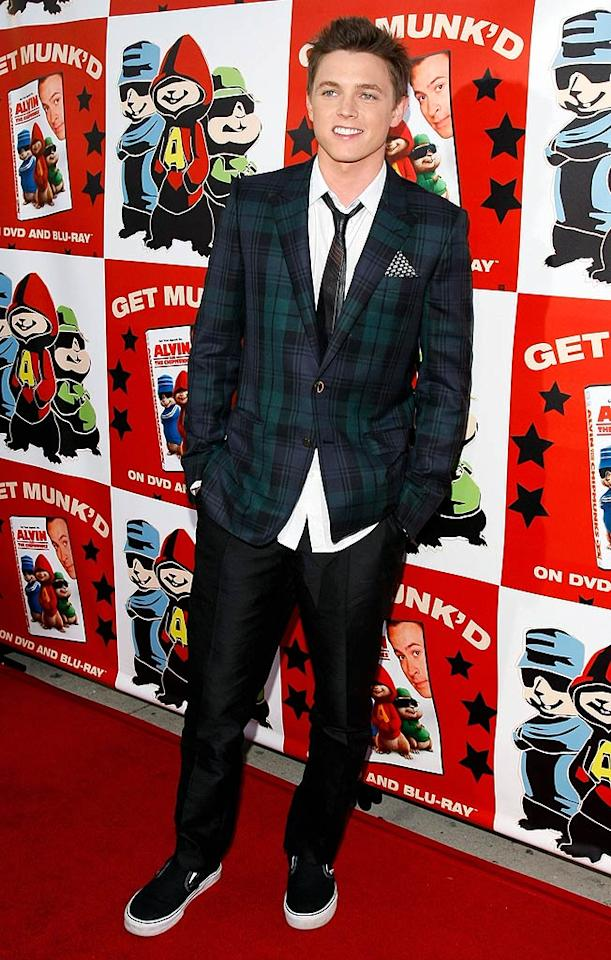 "Heartthrob Jesse McCartney poses on the red carpet in a preppy plaid jacket. Polk Imaging/<a href=""http://www.wireimage.com"" target=""new"">WireImage.com</a> - March 27, 2008"