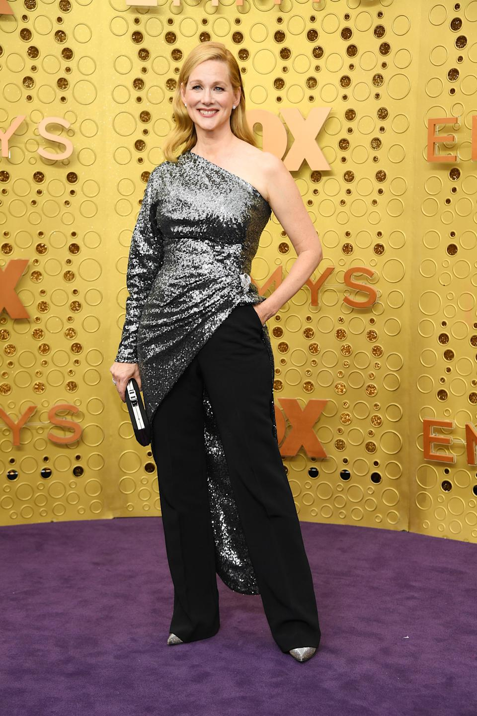 Who needs a dress? The 'Ozarks' star opted for a dramatic sequinned asymmetrical top and trousers. [Photo: Getty]