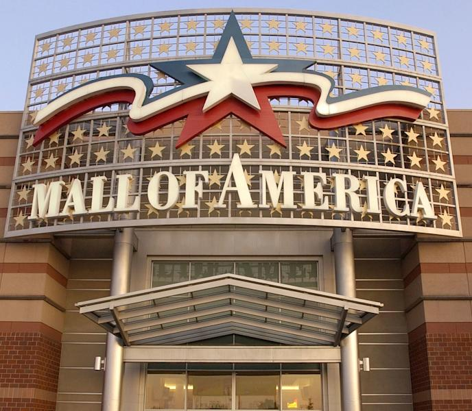 Man Pleads Guilty to Throwing Boy Off Mall of America Balcony
