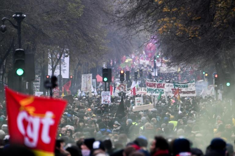 Parisians brought the city to a standstill in a demonstration against pension overhauls (AFP Photo/Alain JOCARD)