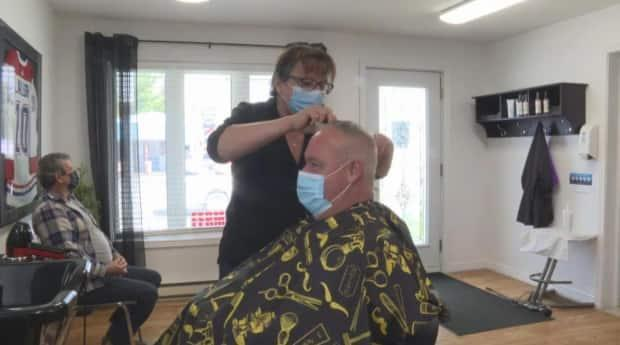 Thurso, Que., salon owner Lucie Lemery was so busy May 10, 2021, the first day local non-essential businesses could reopen, she only agreed to an interview with Radio-Canada if she could keep working while talking to a reporter.