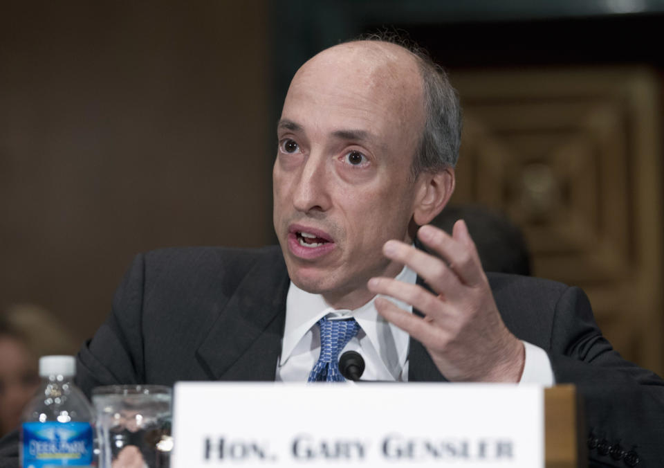 Commodity Futures Trading Commission Chair Gary Gensler testifies at a Senate Banking, Housing and Urban Affairs Committee hearing on Capitol Hill July 30, 2013. REUTERS/Jose Luis Magana (UNITED STATES - Tags: POLITICS BUSINESS)